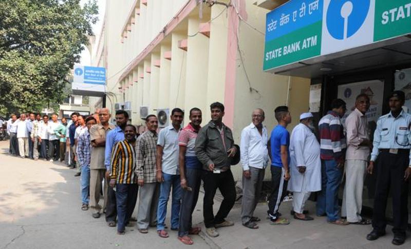 rush at sbi atm system in mumbai
