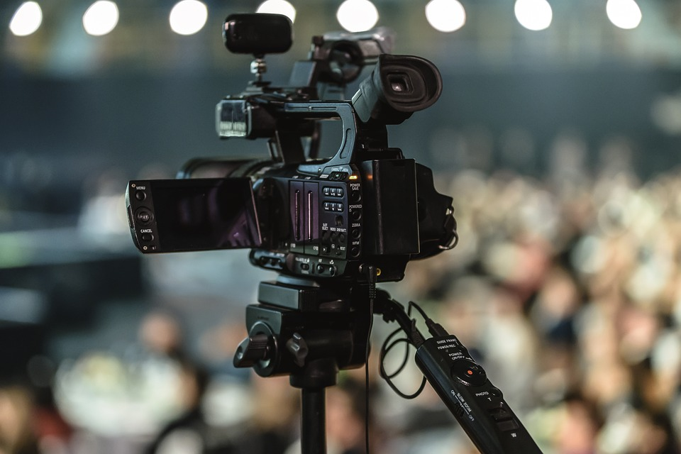 TOP 4 CORPORATE VIDEO PRODUCTION TRENDS - Corporate Film Makers